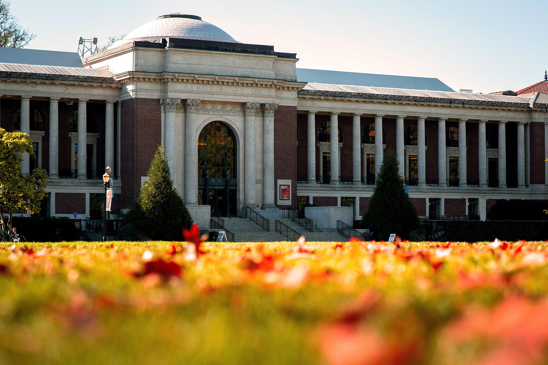 Photo of the Oregon State University Memorial Union during a fall sunny day.
